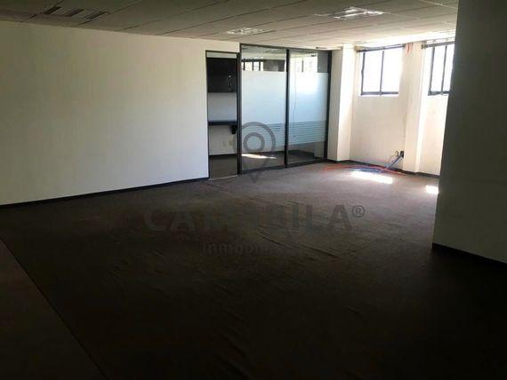 Funcionales oficinas en renta Tecamachalco