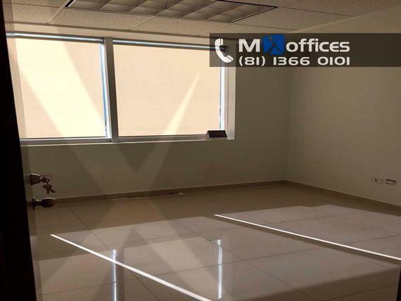 Oficina acondicionada en renta de 140m2 en Lázaro Cárdenas Mty