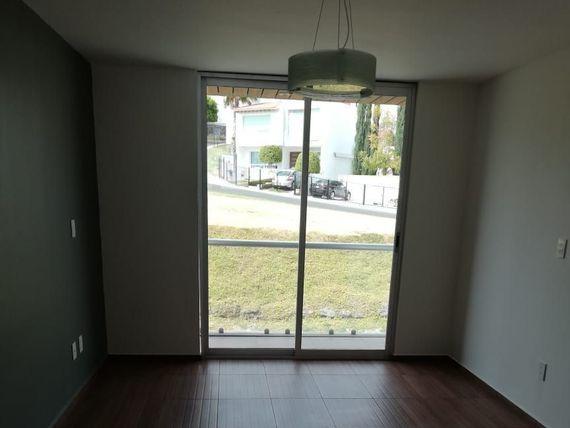 """Se Vende Hermosa Residencia en <span itemprop=""""streetAddress"""">El Refugio</span>, 3 Recamaras, ROOF, 3.5 Baños, Jardín"""