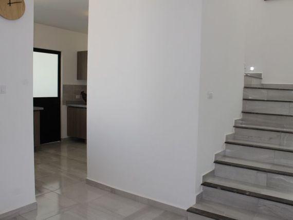 """Se Vende Hermosa Casa en <span itemprop=""""streetAddress"""">Zibata</span>, 4 Recamaras, Una en PB, 4 Baños, Alberca..."""