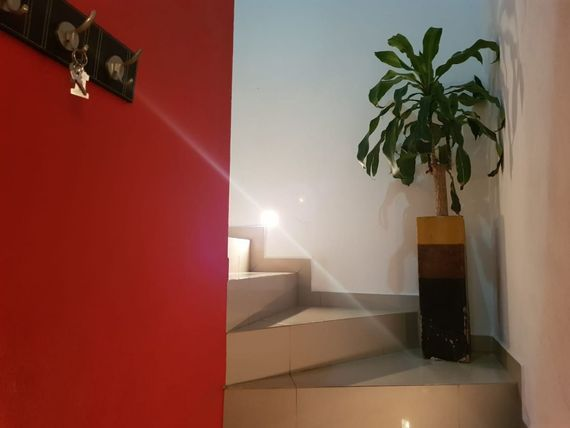 """Se Renta Hermosa Casa en <span itemprop=""""streetAddress"""">El Refugio</span>, 3 Habitaciones, Estudio, Sótano, GANELA !"""
