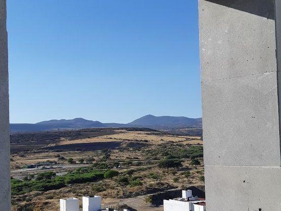 """Preciosa Residencia en <span itemprop=""""addressLocality""""><span itemprop=""""streetAddress"""">Cumbres Del Lago</span></span>, Roof y Terrazas, Sótano, 4 Recámaras.."""