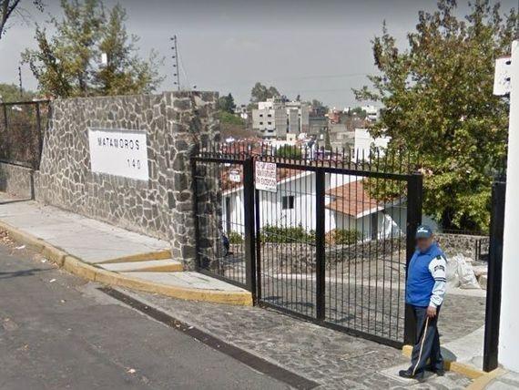 CASA  147 M2, 3 RECAMARAS, 2 BAÑOS, GARAJE, PATIO.