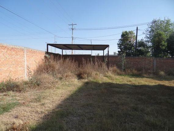 terreno en venta al sur, sobre avenida principal