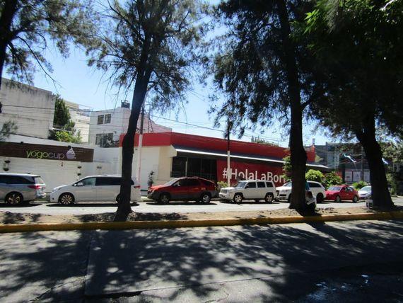 "Local en renta en Av. <span itemprop=""streetAddress"">Providencia</span>"