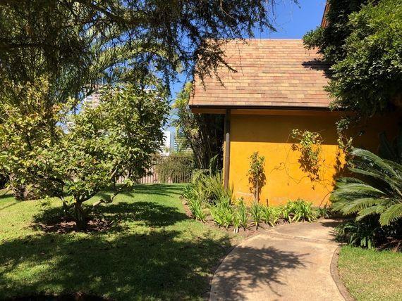 Venta o arriendo, gran casa de 300 m2, en Pinares de Montemar.