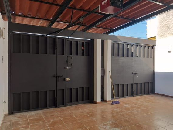 "Vendo casa en fraccionamiento Colon Calle: <span itemprop=""streetAddress"">Pedro De Alvarado</span> #88"