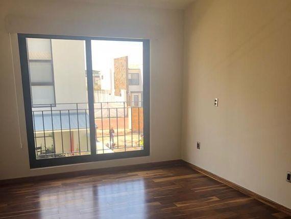 """Preciosa Residencia en <span itemprop=""""streetAddress"""">Arco De Piedra</span>, LUXURY y PREMIUM !!"""
