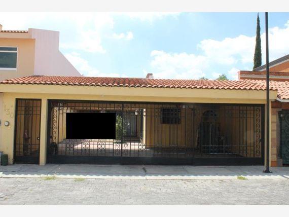 Casa en Venta en Fracc Claustros del Parque