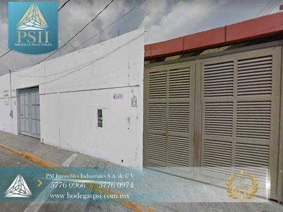 Bodega en Renta en RENTA SANTA CLARA 1700 M2