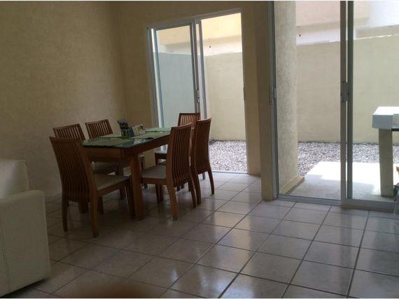 Casa en Venta en Frac. Lagos de Puente Moreno