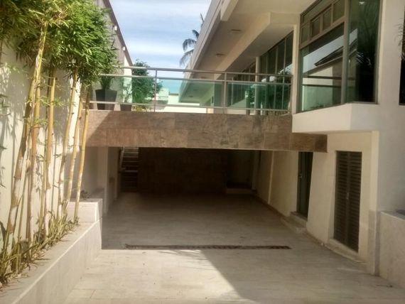 "Casa en Renta en <span itemprop=""streetAddress"">Petrolera</span>"