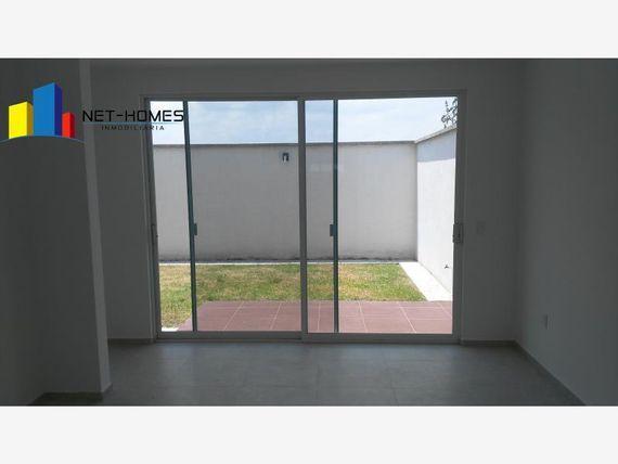 "Casa en Venta en <span itemprop=""streetAddress"">Cañadas</span> del Lago"