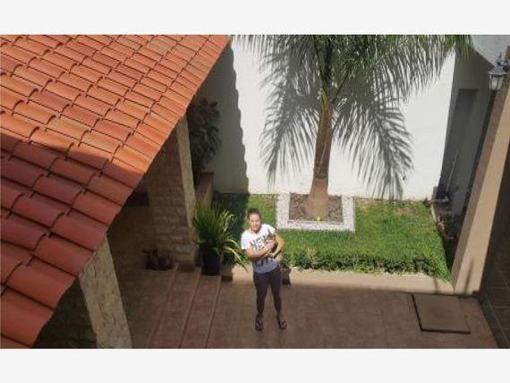"""Casa en Venta en <span itemprop=""""addressLocality"""">San Raymundo Jalpan</span>"""