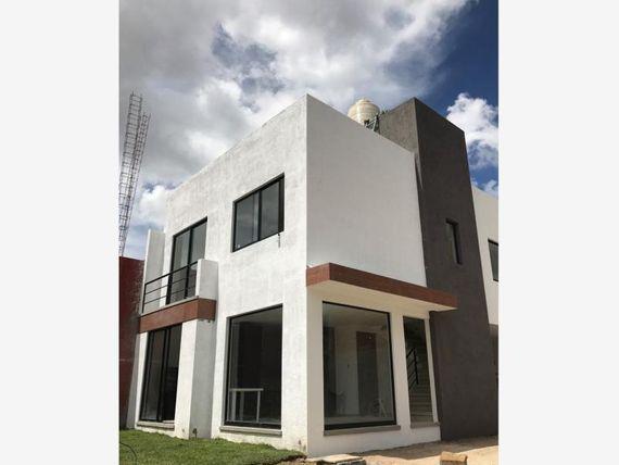 Casa en Venta en Venta Cerca de Universidades, Tec: De Monterrey, UVP Y BUAP