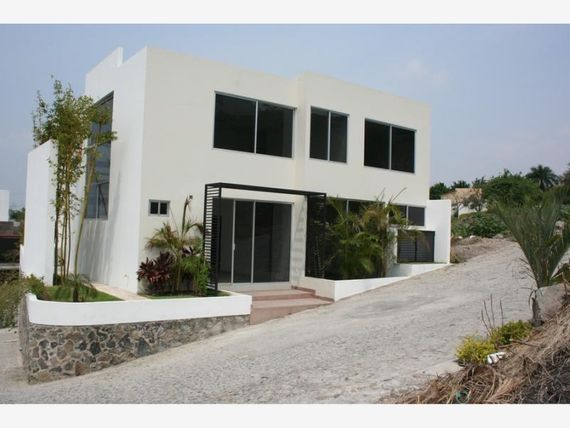 Casa en Venta en Fracc Burgos Corinto
