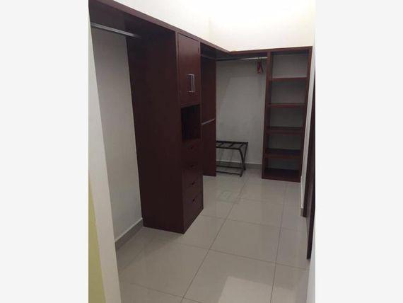 Departamento en Venta en Las Gavias Grand Lujosos condominios
