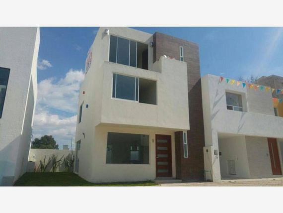Casa en Venta en FRACCIONAMIENTO ARBOLEDAS DE SAN DIEGO