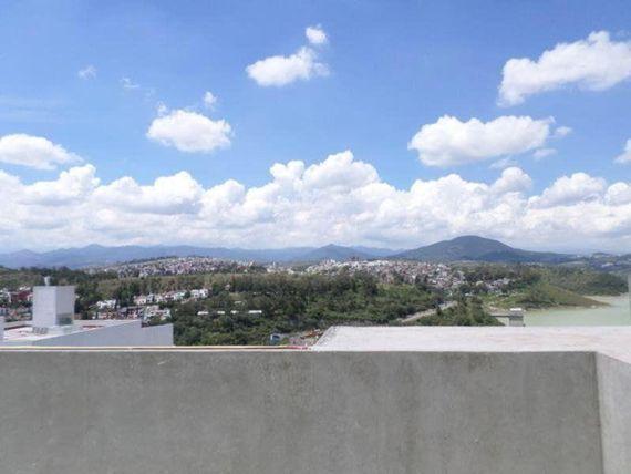 """Casa en Venta en  <span itemprop=""""addressLocality"""">Lomas de Bellavista</span>"""