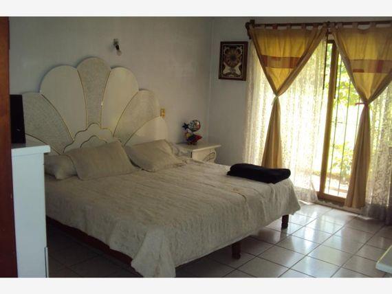 """Casa en Venta en <span itemprop=""""addressLocality"""">Ixtlahuacan de los Membrillos</span>"""