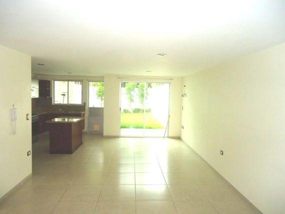 "Casa en Venta en <span itemprop=""addressLocality"">San Pedro Cholula</span>"