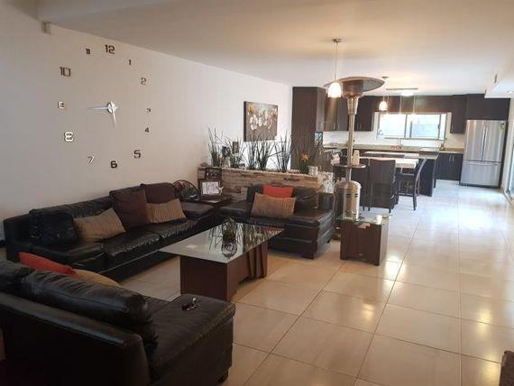 Casa en Venta en HACIENDAS DE STA. CLARA I