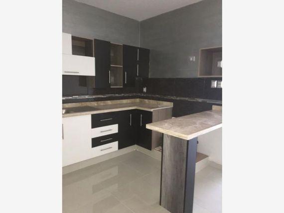 Casa en Venta en Col.  Graciano Sanchez