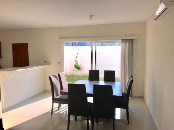 Casa en Renta en FRACC LOMAS DE LA RIOJA
