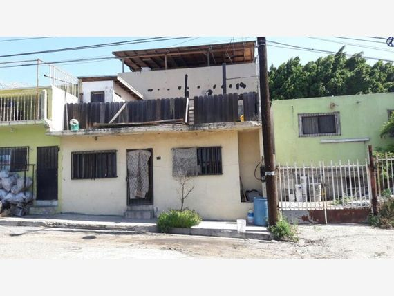 """Casa en Venta en <span itemprop=""""addressLocality"""">Guaycura</span>"""