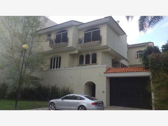 Casa en Venta en Loma Real
