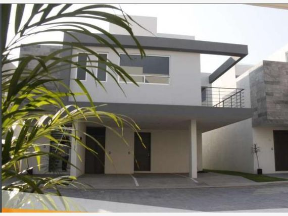 Casa en Venta en SAN ANDRES CHOLULA CERCA UVM - UDLAP
