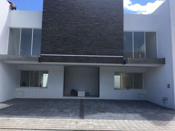 Casa en Venta en CUMBRES RESIDENCIAL