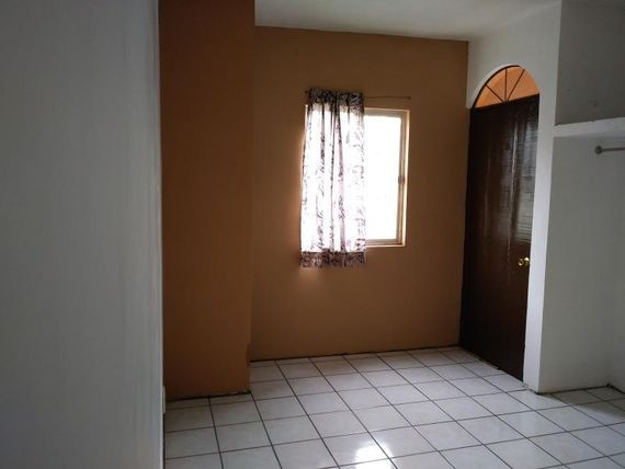 Casa en Venta en Jardines de Anahuac Sect 3