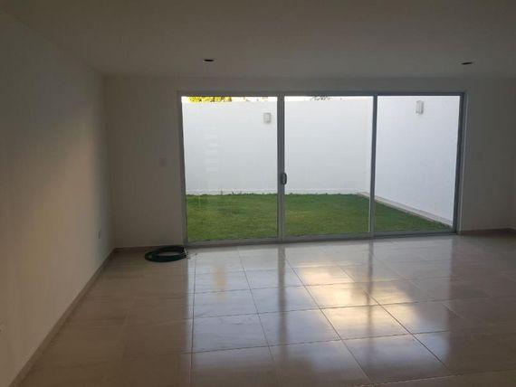 """Casa en Venta en CERCA <span itemprop=""""streetAddress"""">Plaza San</span> DIEGO"""