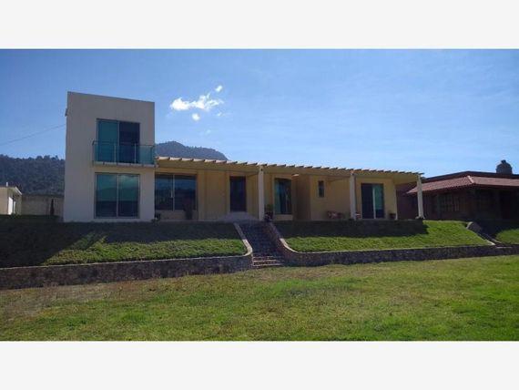 Casa en Venta en San Bartolome Atlatlahuaca