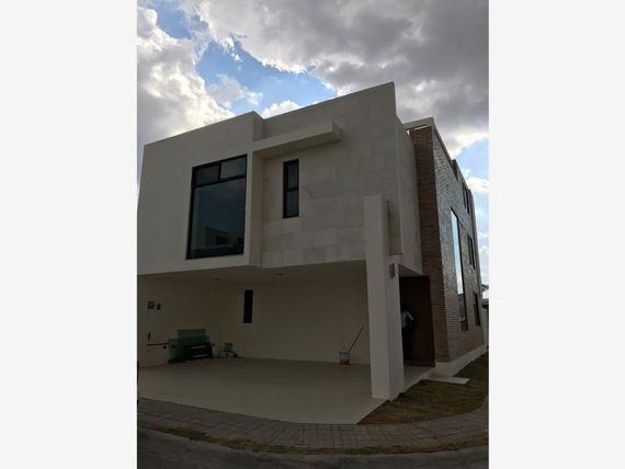 "Casa en Renta en * <span itemprop=""addressLocality"">Lomas de Angelópolis</span> *"
