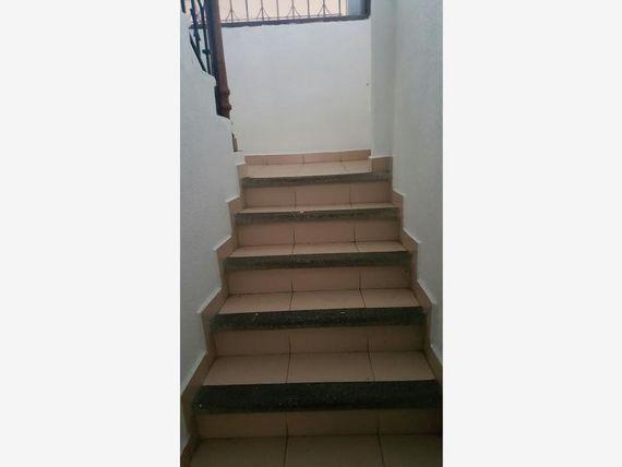 Casa en Renta en PRIMERO DE MAYO PLAZA CRYSTAL