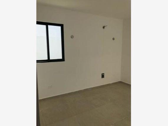 "Casa en Venta en <span itemprop=""streetAddress"">Paseos De Vergel</span>"
