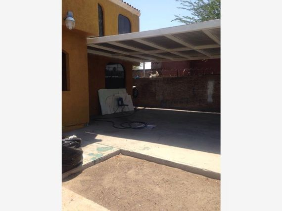 """Casa en Venta en <span itemprop=""""addressLocality"""">Independencia</span>"""