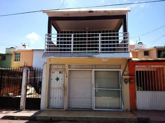 "Casa en Venta en <span itemprop=""streetAddress"">Coyol</span>"