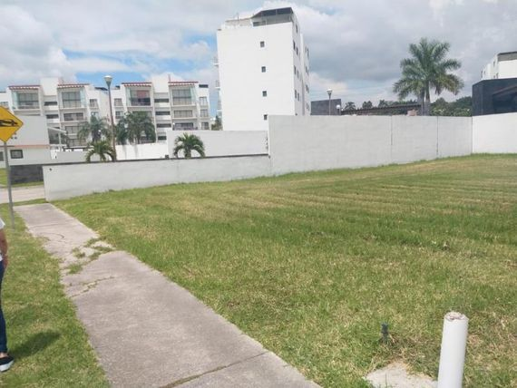 "Terreno en Venta en FRACC. CLUB DE GOLF PARAI<span itemprop=""streetAddress"">S</span>O COUNTRY CLUB"