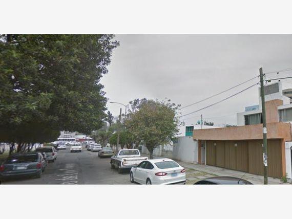 """Casa en Venta en Jardines de <span itemprop=""""addressLocality"""">Irapuato</span>"""