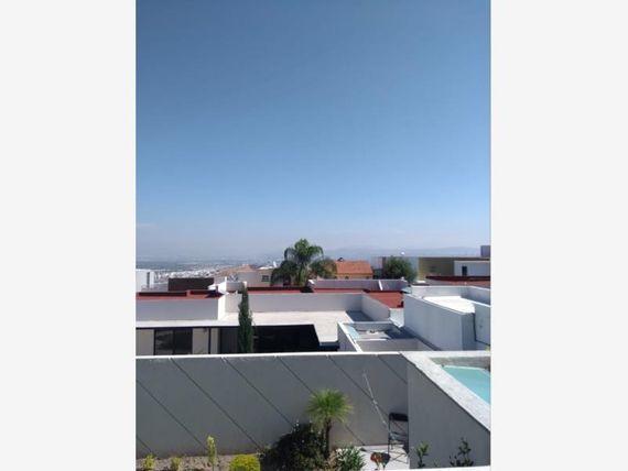 Casa en Venta en Fracc. Los Cipreses (Vista Real)