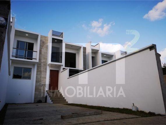 """Casa en Venta en <span itemprop=""""addressLocality"""">Los Pinos</span>"""