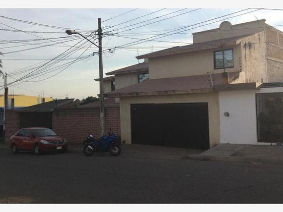 """Casa en Venta en <span itemprop=""""streetAddress"""">Libertad</span>"""