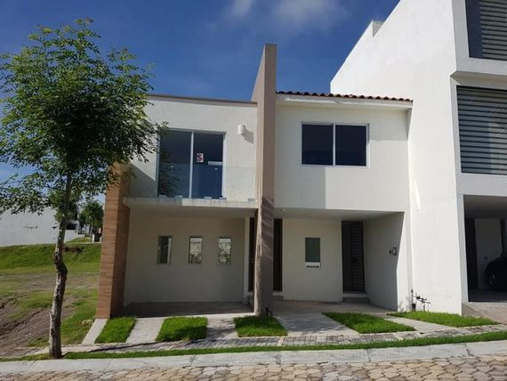 Casa en Venta en Lomas de Angelópolis parque Cuernavaca