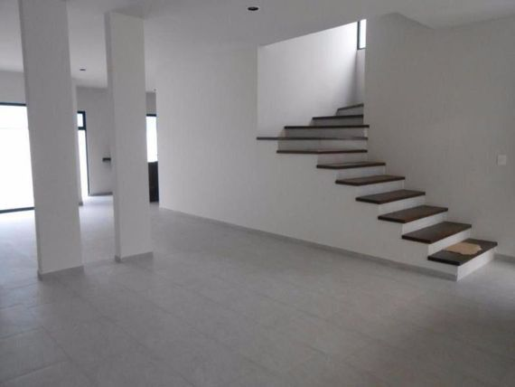 Casa en Venta en   Juriquilla Privada (Fracc.)