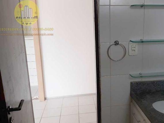 òtimo Apto 03 Qtos, 104m², Sul, duas varandas, DCE, elevador, piscina, Sl festas, próximo a praia.
