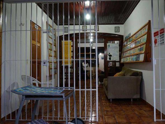 "Excelente casa nos <span itemprop=""addressLocality"">Expedicionários</span> para  morar e comercio na área terapêutica. (P)"