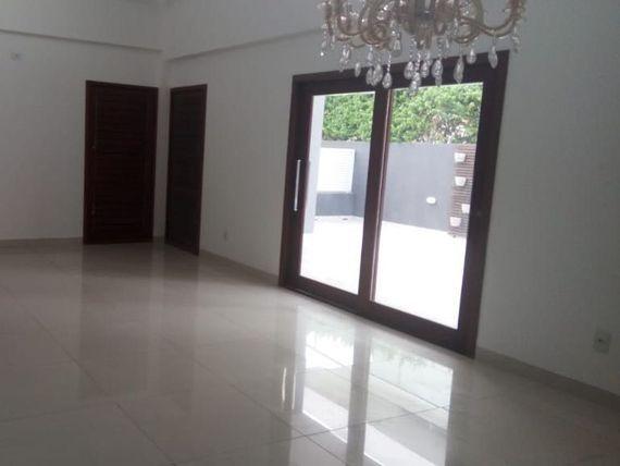 Casa à venda em condomínio Ref A